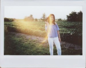 Photo Instax portrait contre jour
